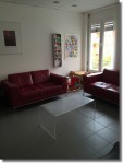 Das Wartezimmer mit Sofa